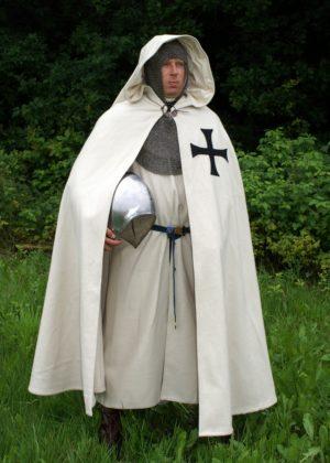 Manteau chevalier teutonique